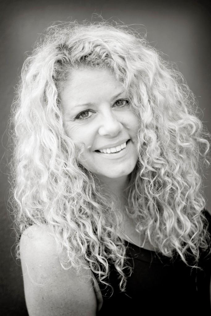 Dr Lynette Maguire